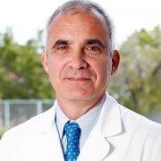 الدكتور رافاييل نافارو
