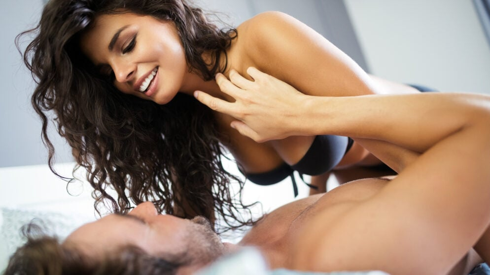 Looking for An Affair? 6 Reasons You Should Get with A MILF