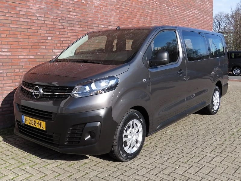 Toyota Proace Long Shuttle P9