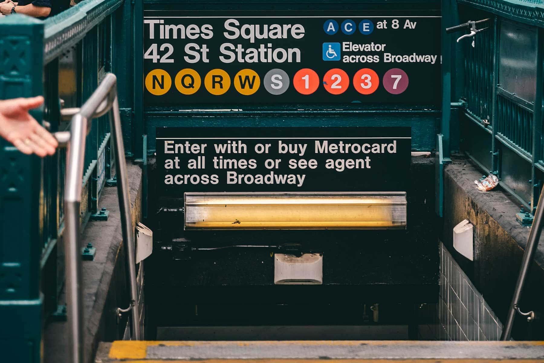 Resor-till-New-York-med-Nygren-Lind-Resebyrå---tunnelbana-times-square