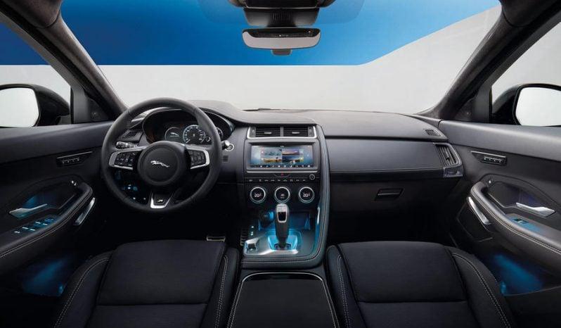 Renting Jaguar E-Pace 2.0d 150cv R-DYNAMIC 4WD AUTO lleno