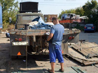 Удаление старого пола у грузовика