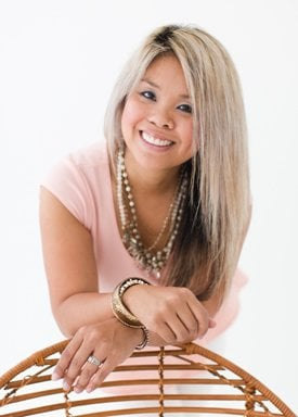 Seng is a life and style blogger for the modern mom. She is a mom of four that works outside of the home balancing the delicate balance of her career and being present for her family.