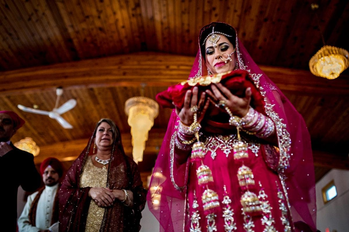 Rocky-Amanda-028-Pipeline-Gudwara-Winnipeg-Wedding-Photographer-Singh-Photography-