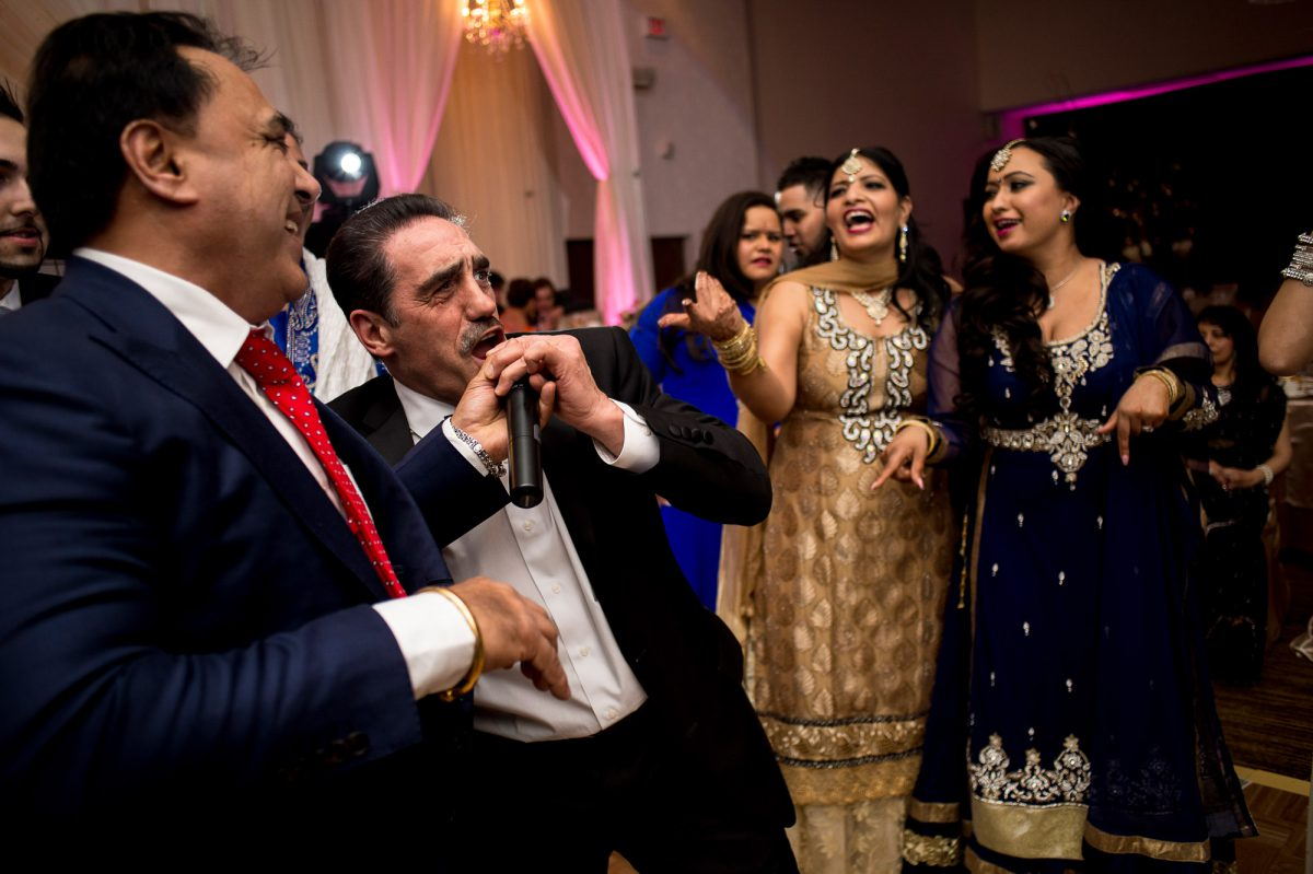 Rocky-Amanda-045-Pipeline-Gudwara-Winnipeg-Wedding-Photographer-Singh-Photography-