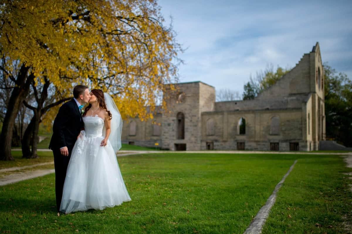tim-laura-001-southwood-golf-course-winnipeg-wedding-photographer-singh-photography