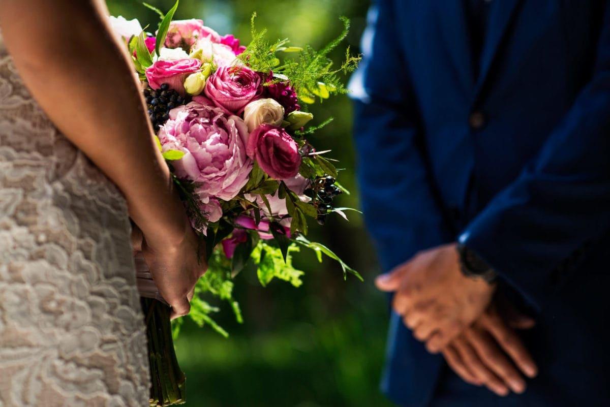 xay-loida-001-leo-mol-sculpture-garden-winnipeg-wedding-photographer-singh-photography