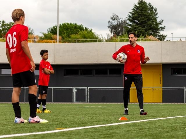 Atlético de Madrid - camp officiel à Lonay