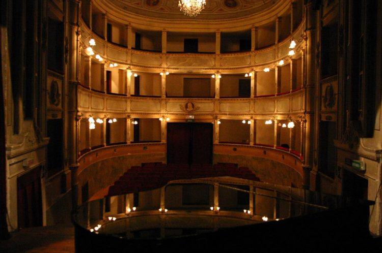 interno-teatro-anghiari-teatro-comunale-dei-ricomposti-13