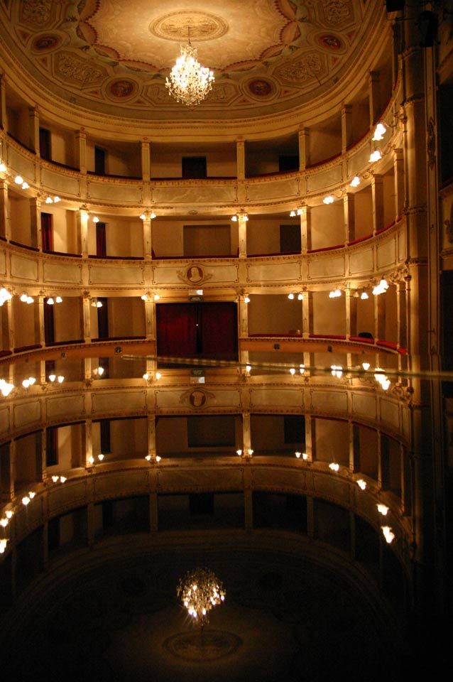 interno-teatro-anghiari-teatro-comunale-dei-ricomposti-14