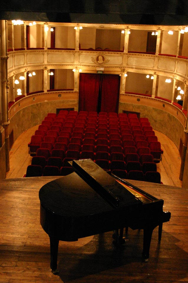 interno-teatro-anghiari-teatro-comunale-dei-ricomposti-15