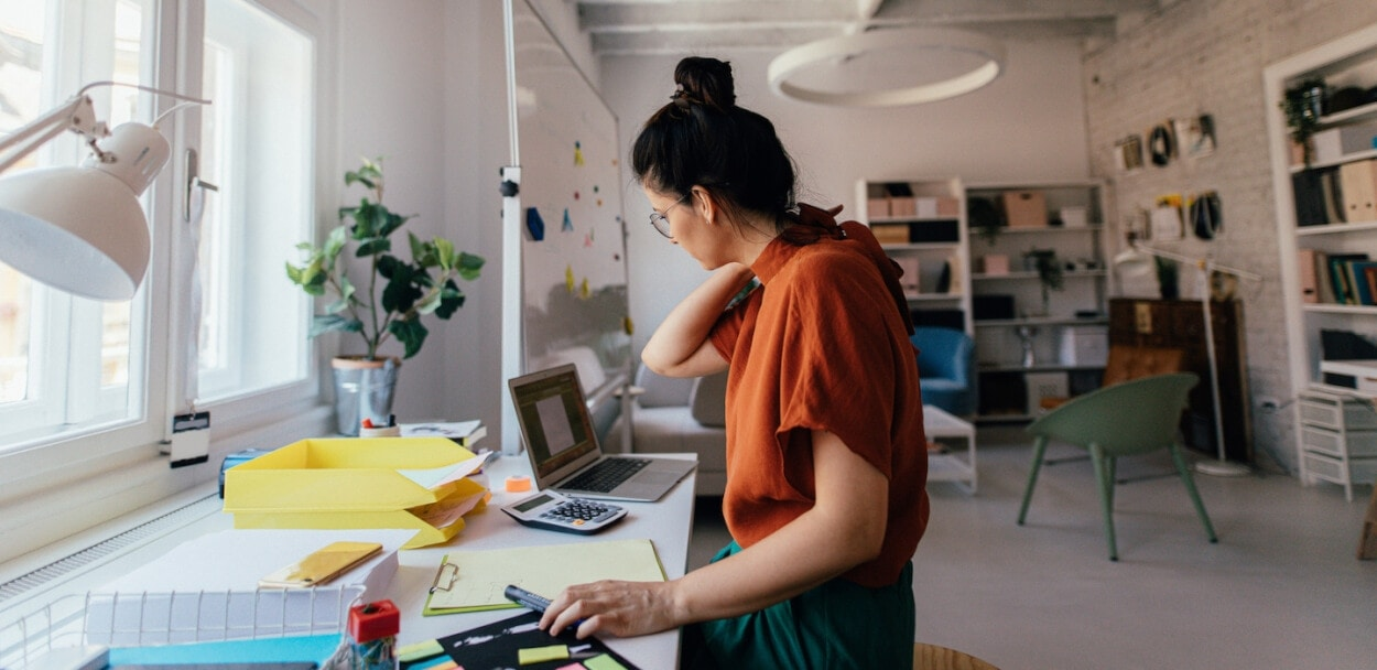 Self-employed vs. independent contractor