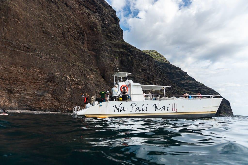 makana charters napali coast boat tour
