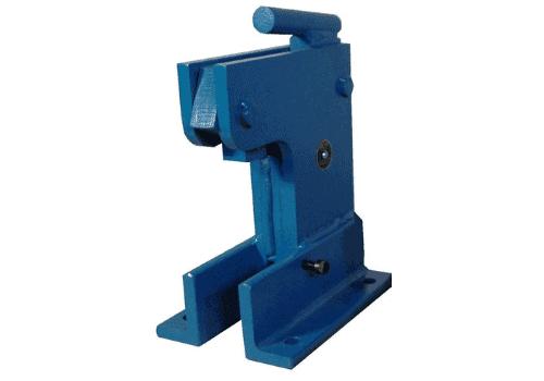 Manual notching press