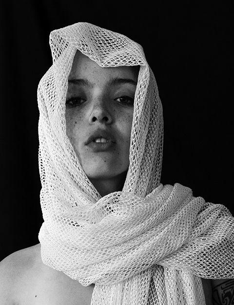 fotografía artística en blanco y negro mujer full soul