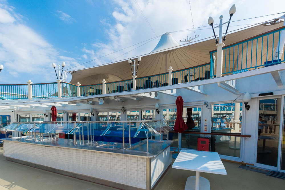 Poolbar der Norwegian Spirit