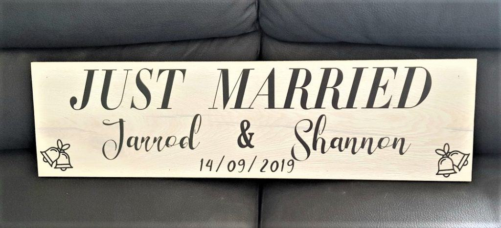 Just married sign made with the Scan N Cut