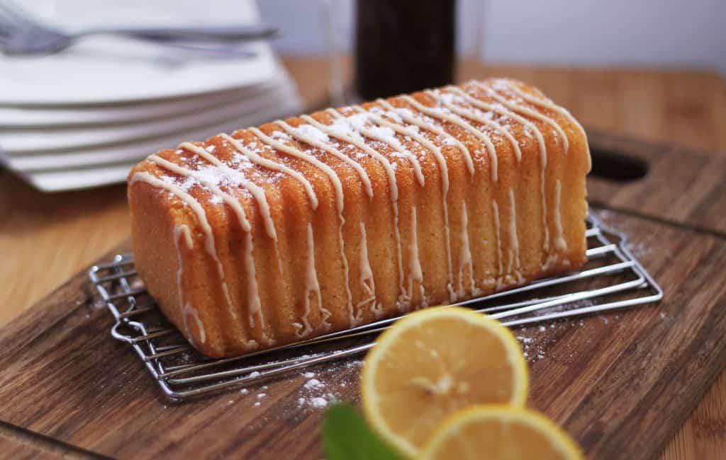 freshly-baked-lemon-cake-with-powdered-sugar