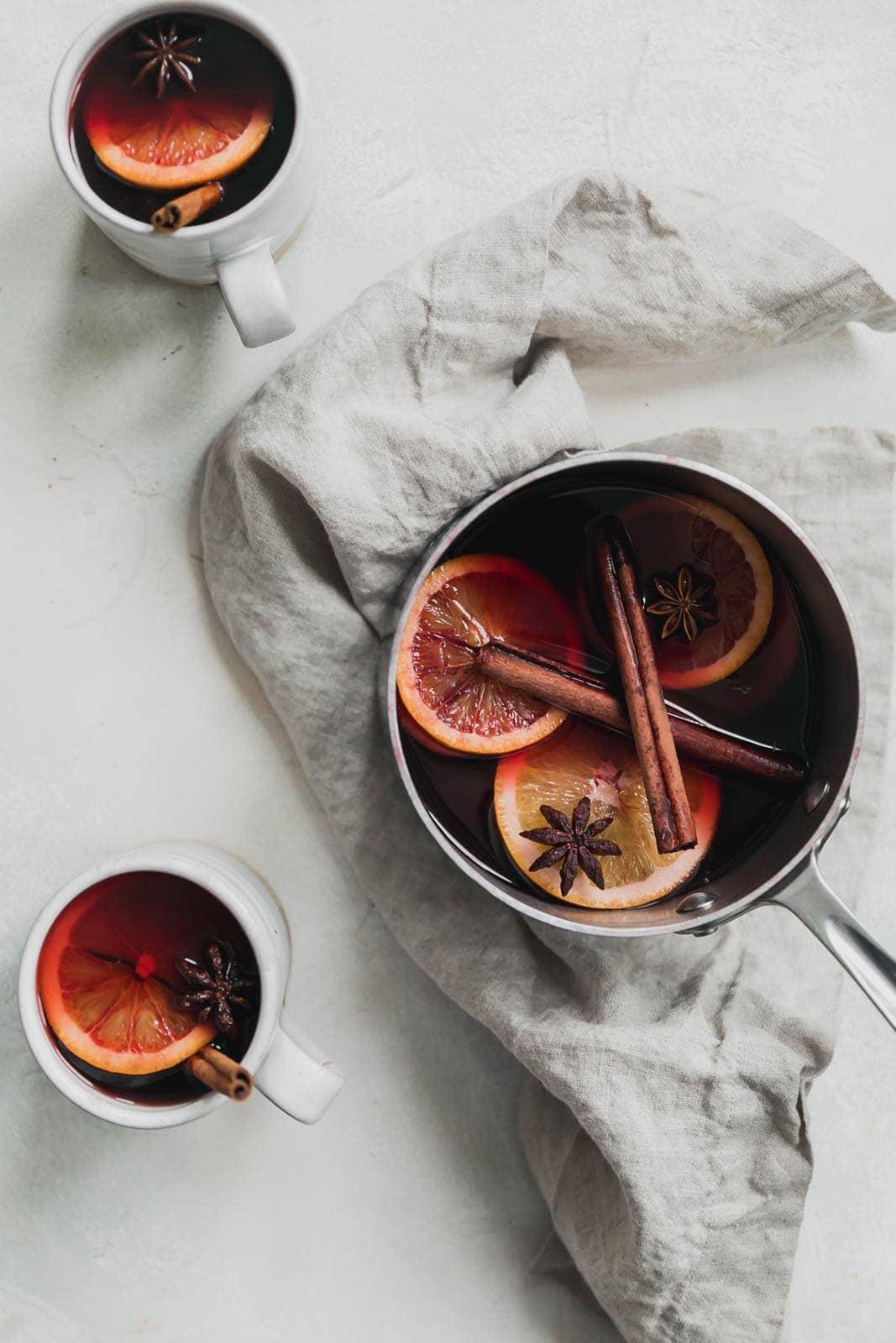 simple mulled wine recipe in mugs