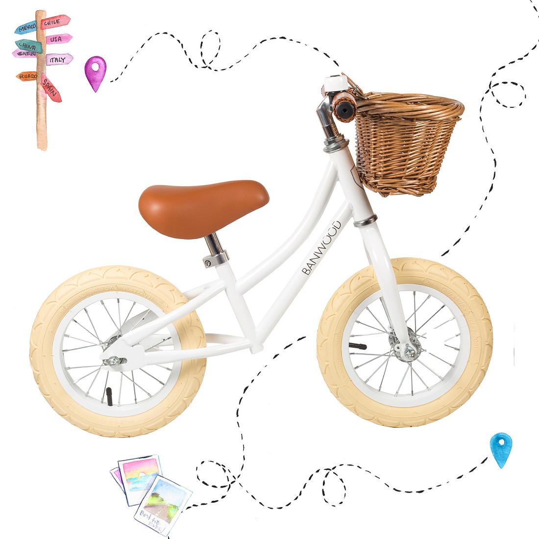 frederickandsophie-kids-play-banwood-bike