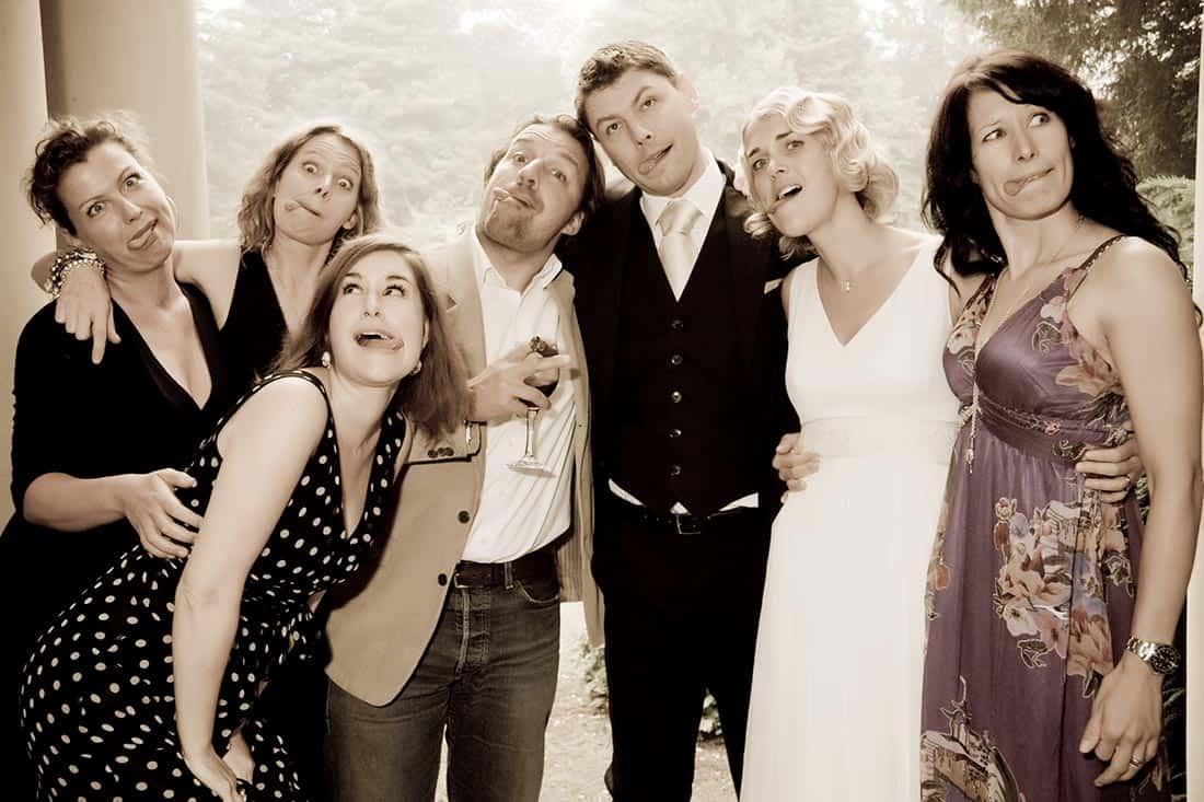 Hochzeitsgesellschaft - Gruppenfoto - sehr lustig