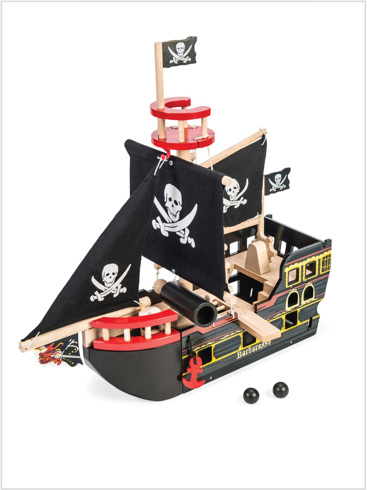 frederickandsophie-toys-letoyvan-wooden-pirateship-barbarossa