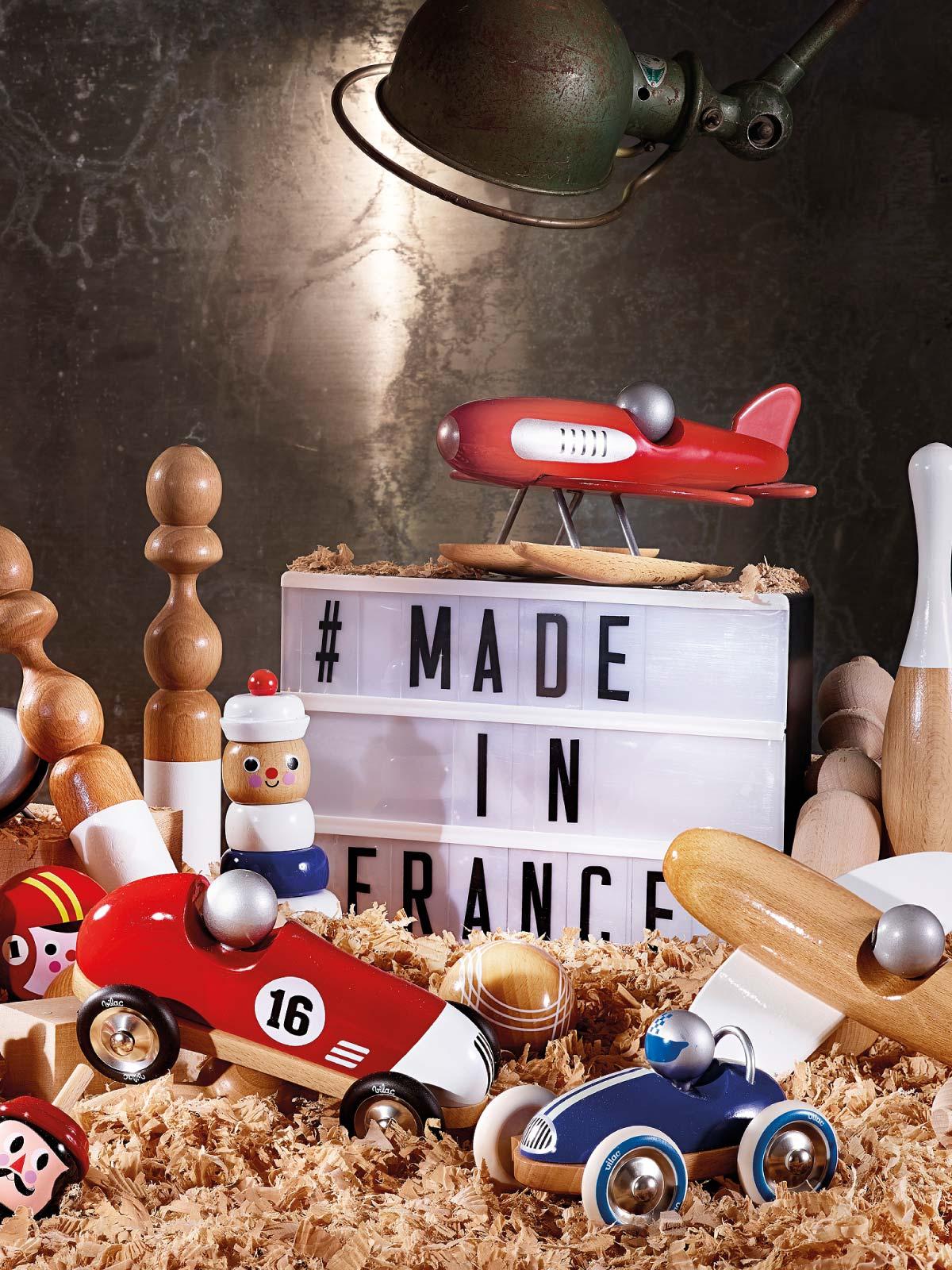 frederickandsophie-toys-vilac-wooden-sea-plane