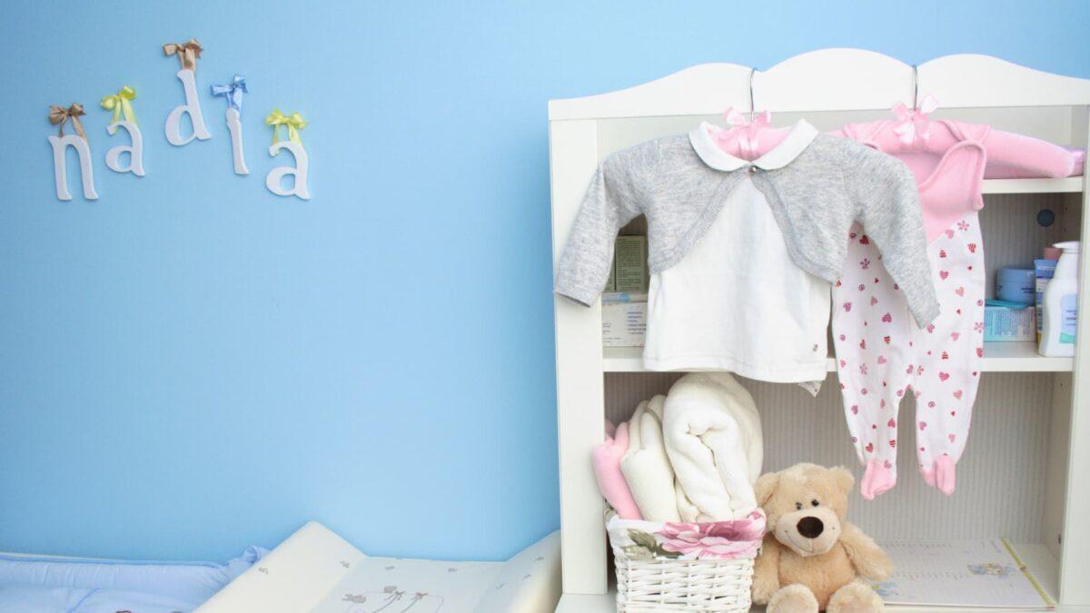 small nursury organization ideas remove closet doors