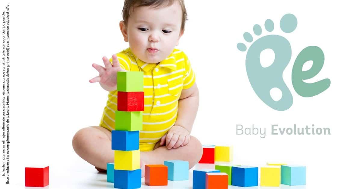 Estimula la motricidad fina durante la alimentación complementaria de tu bebé