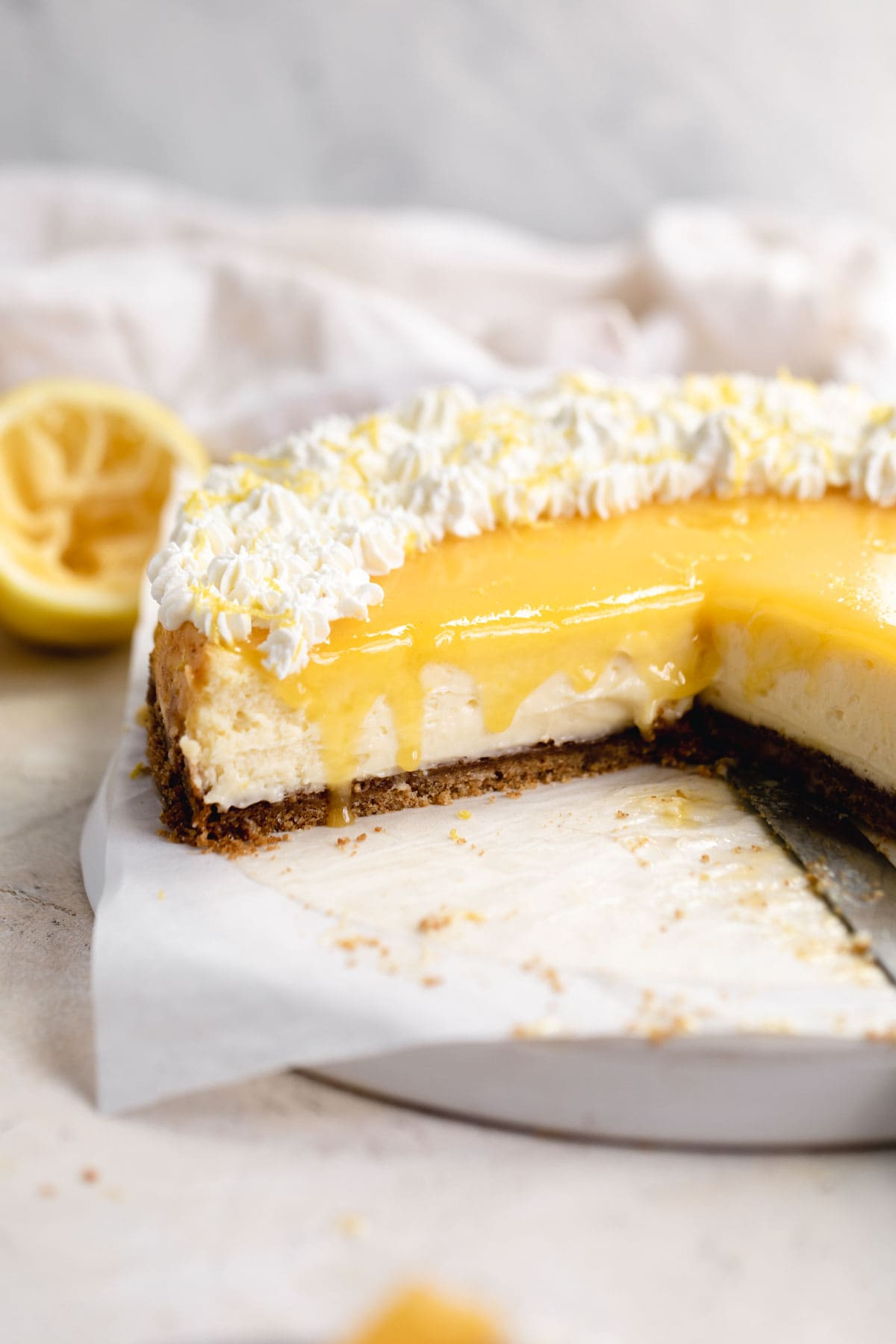 lemon cheesecake with whipped cream