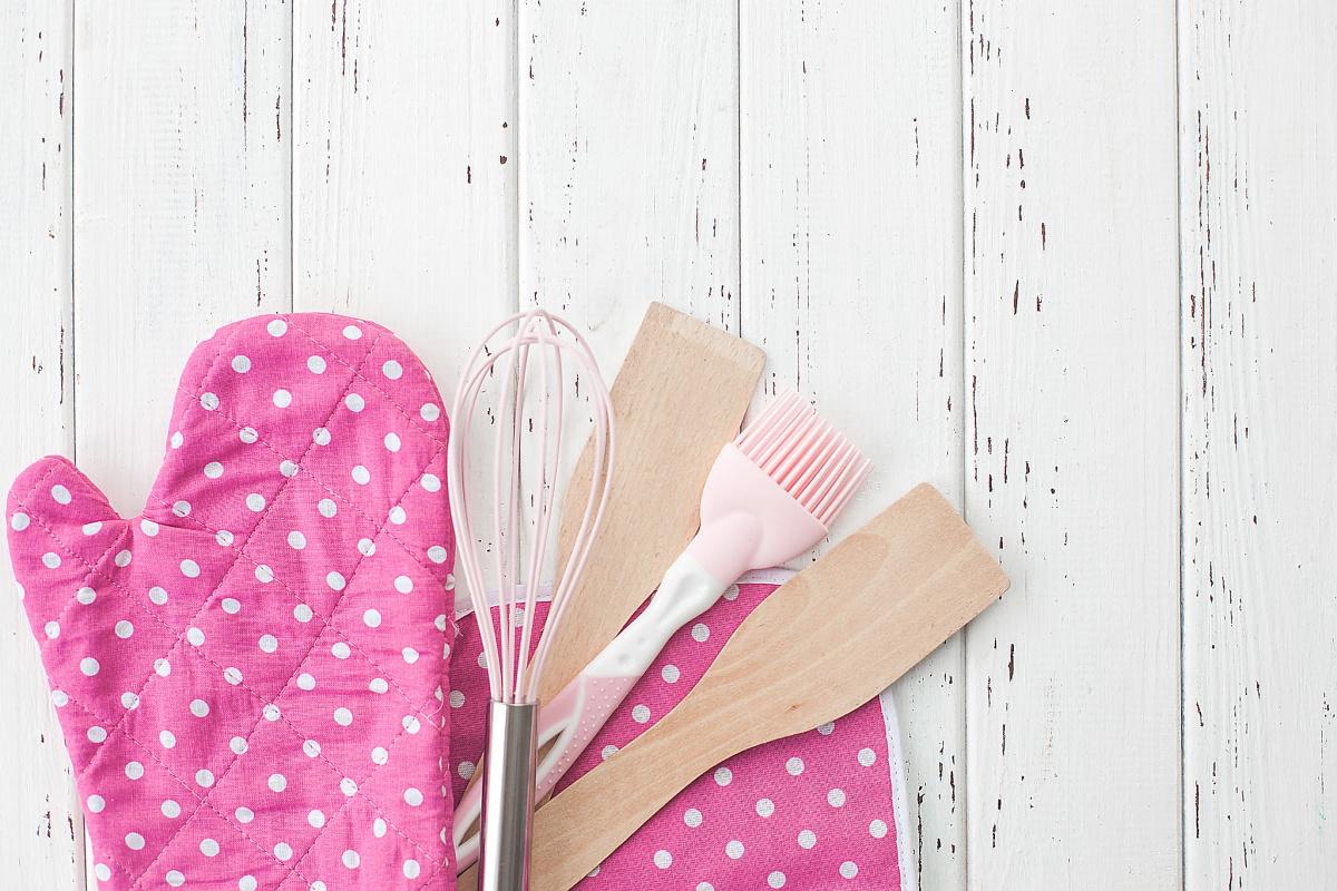 declutter and organize kitchen