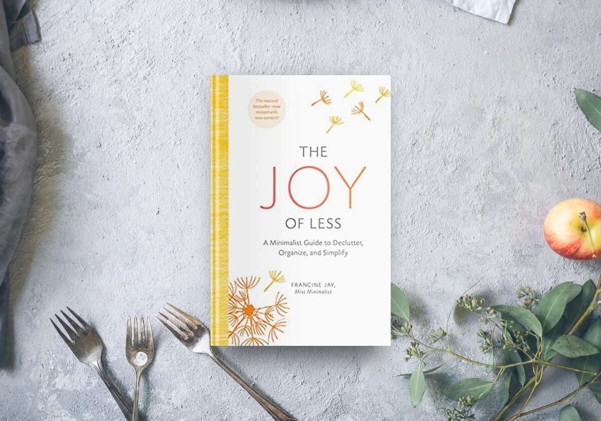 Best decluyttering book The Joy of Less