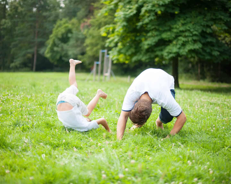 gibanje-otroka-gibalni-vzorci-extraveganza