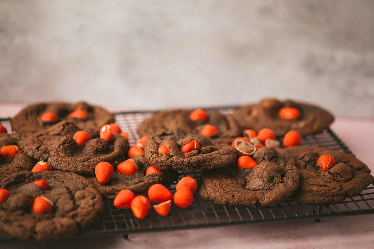 A pile of cookies on a baking tray.