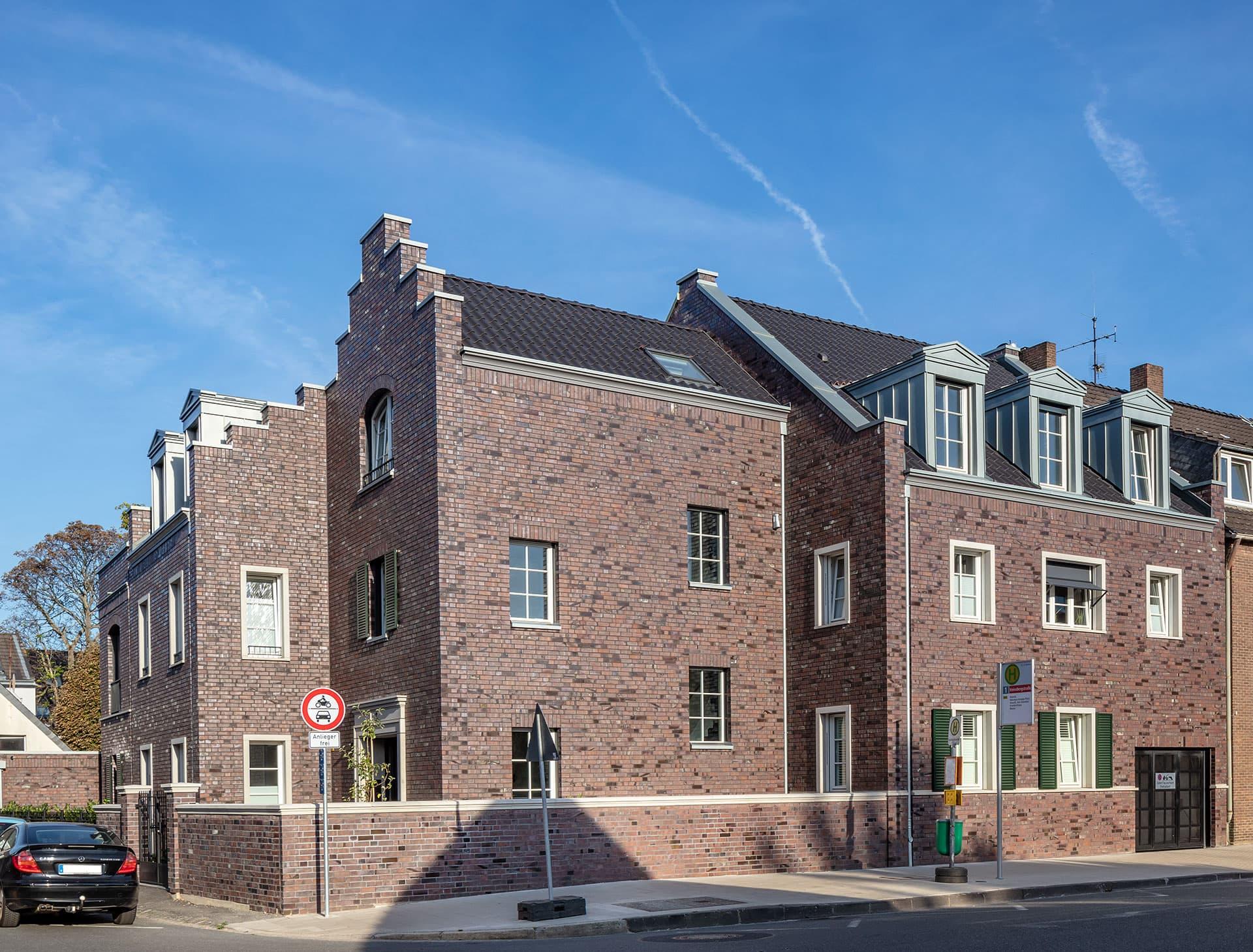 Duesseldorf-Niederkassel Heinsbergstrasse Fassade
