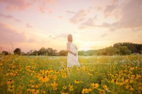 maternity photographer darcy milder des moines iowa