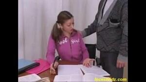 Sexo selvagem com filha italiana