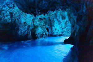 Top 5 Mesmerizing Underwater Caves
