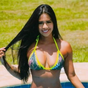 12 Hottest Famous Colombian Women Instagram Accounts