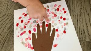 Hand-on-Heart-Valentines-Day-Craft-3
