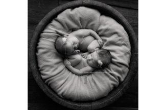 es iowa newborn twins triplets baby photography photographer darcy milder