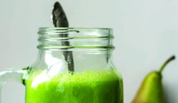Warm Pear & Spinach Smoothie