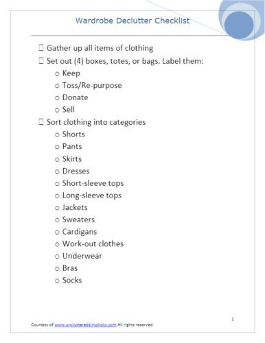 How to Declutter and Organize Clothes