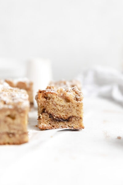 banana coffee cake with crumb topping