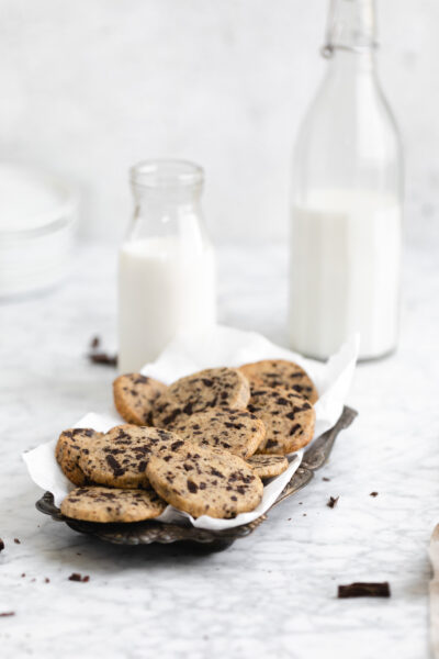 icebox cookies and milk