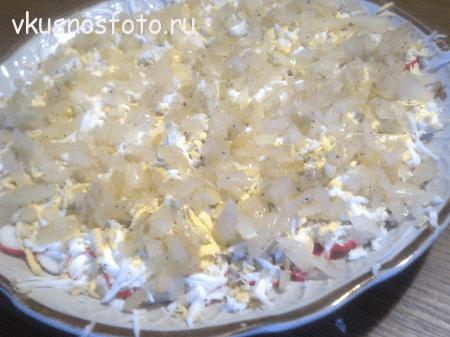 salat-s-ryiboy-i-krabovyimi-palochkami