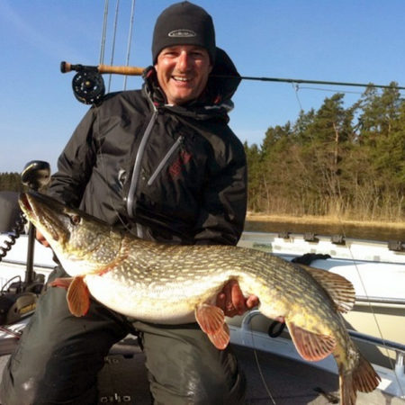 Hecht angeln in Schärengärten mit Angelguide Bo Lundgren