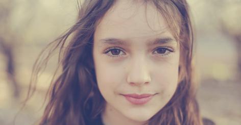 تشخیص باکره بودن از ظاهر دختر، چشم، گردن، زانو، راه رفتن و صورت