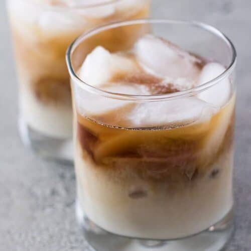 The finished white Russian cocktail without any extra garnishes.
