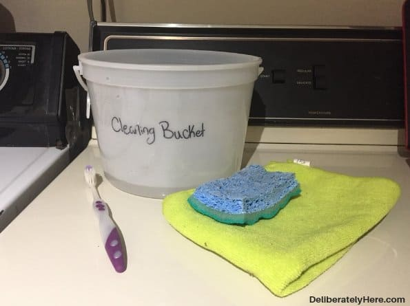 how to clean a top loading washing machine - cleaning supplies. Remove 2 cups vinegar, baking soda, water cleaning solution